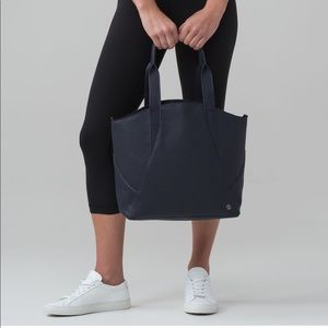 All Day Tote 15L lululemon midnight navy